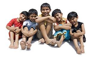3-5 People ; Barefoot ; Bonding ; Boys ; Carefree