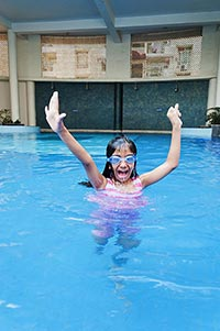 Little girl Swimming Pool