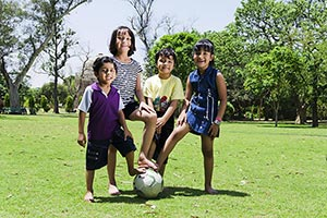 3-5 People ; Active ; Ball ; Bonding ; Boys ; Brot